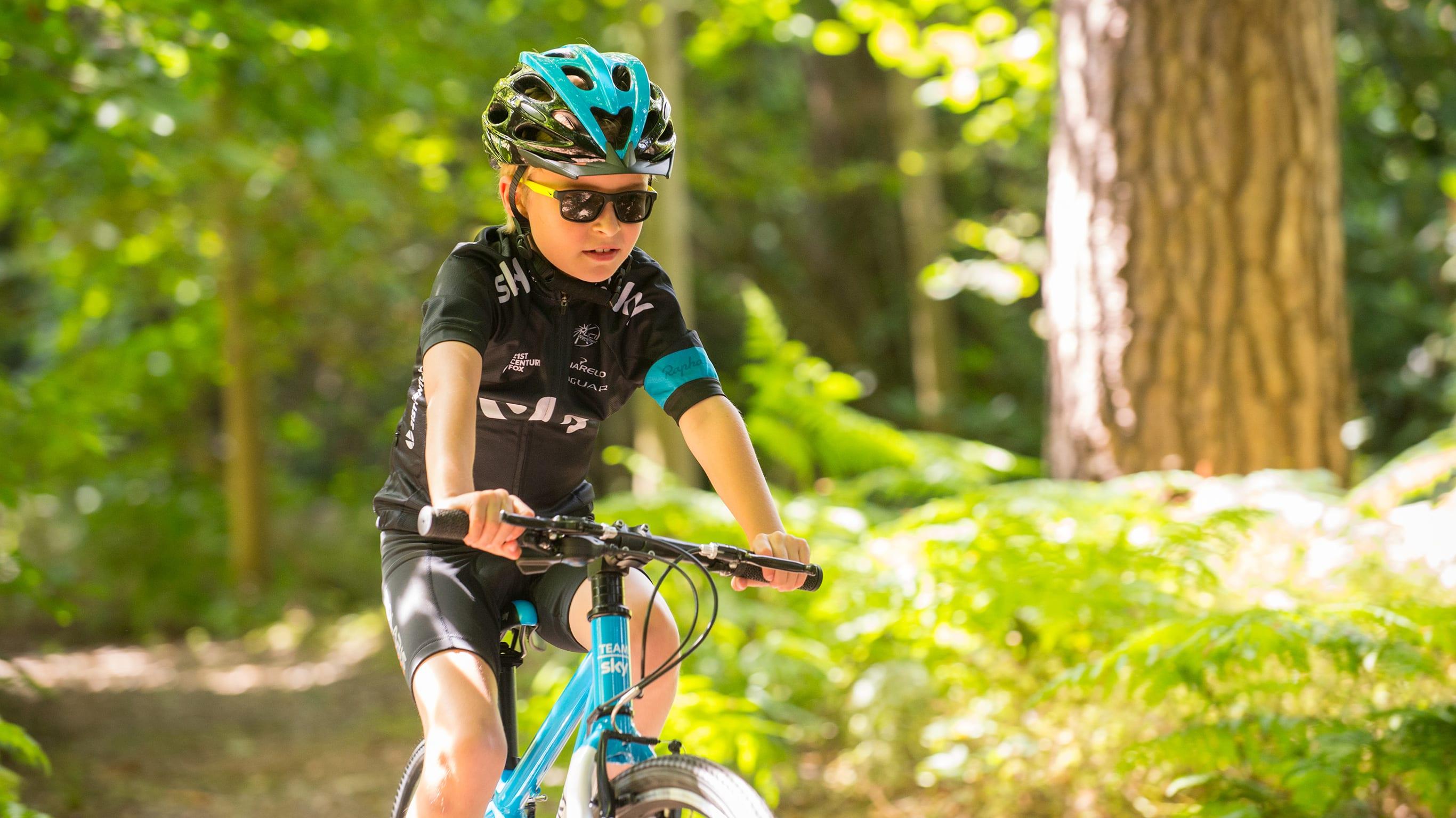 Фото дети на велосипеде летом